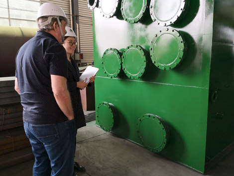 England Customer Inspect Plastic Recycling Pyrolysis Machine