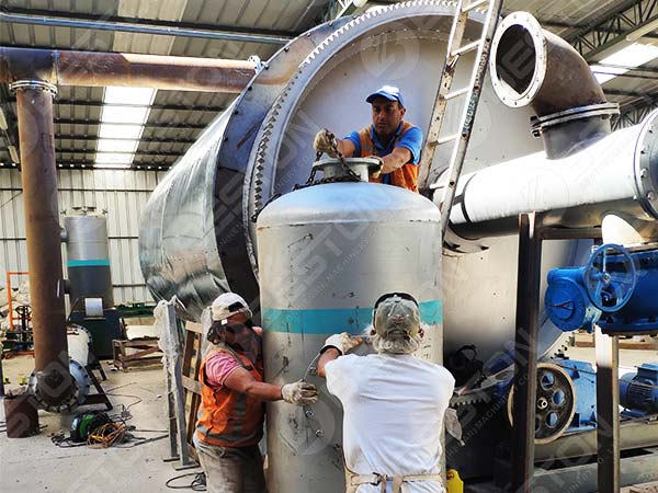 BLJ-10 Small Pyrolysis Machine in Chile